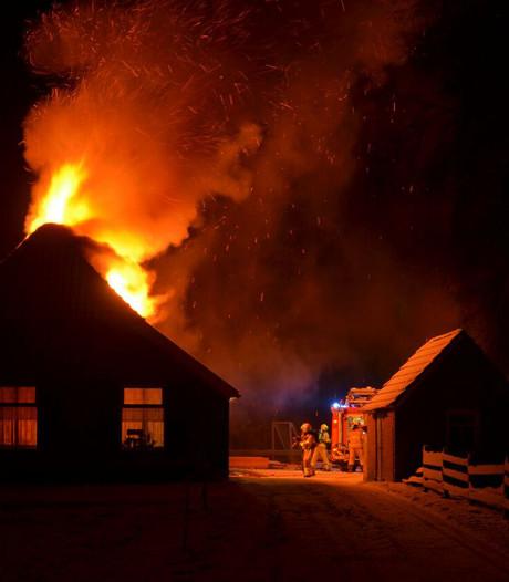 Grote brand in woonboerderij in Vorden
