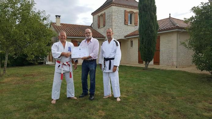 Martin Zingel (50) krijgt zijn 8ste Dan in Zuid-Frankrijk uitgereikt door Grootmeester Kyoshi Albert van Mildert 9de Dan.