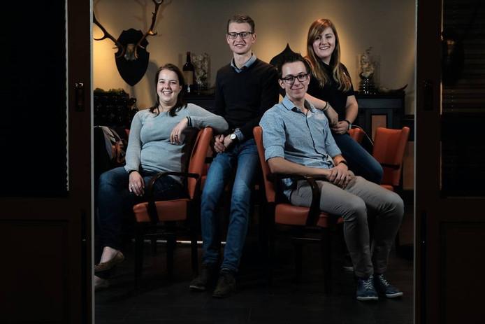 De kersverse 'Leo's': Hinke, Yoeri, Leander en Annemieke. Foto: Jan van den Brink.