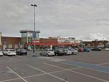 Man neergeschoten in winkelcentrum Zweden