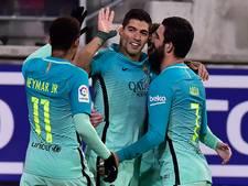 VIDEO: Barcelona houdt zicht op Real na ruime zege bij Eibar