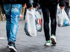 Duizenden Amsterdamse kinderen krijgen gratis kleding of speelgoed