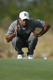 Woods valt iets terug in Hero Challenge