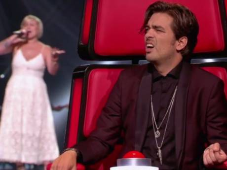 Waylon hoort oude bekende in The Voice, maar drukt niet