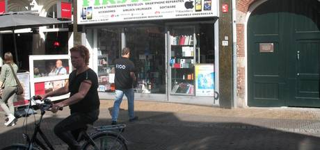 FIOD valt belwinkel aan Steenweg binnen
