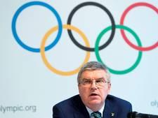 IOC-baas Bach neemt intrek in olympisch dorp