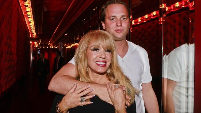 Nicky van Dam met vriendin Patricia Paay