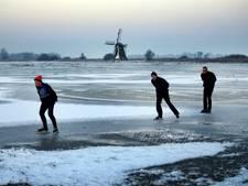 Door het ijs gezakte vrouw zorgt onbedoeld voor paniek