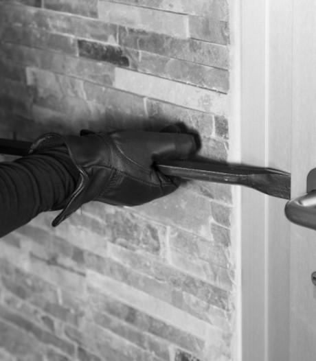 Politie zoekt getuigen van woninginbraak in Loenen