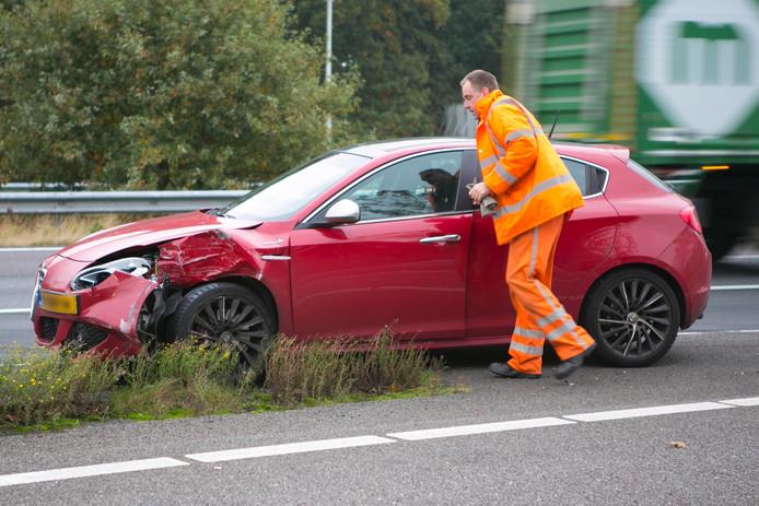 De betrokken auto's raakten flink beschadigd bij het ongeluk.