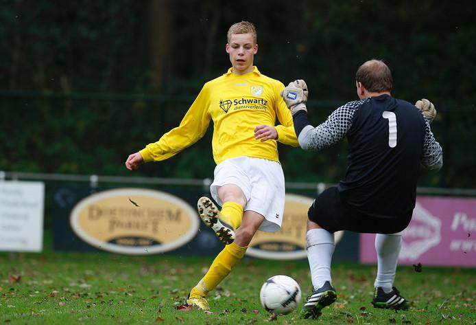 GWVV-speler Cas de Neling in actie tegen Sprinkhanen eerder dit seizoen.