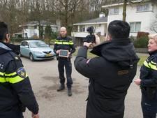 Politie Rheden vlogt er op los