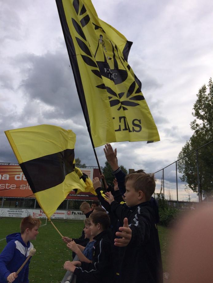 Jonge WNC-supporters op archiefbeeld.