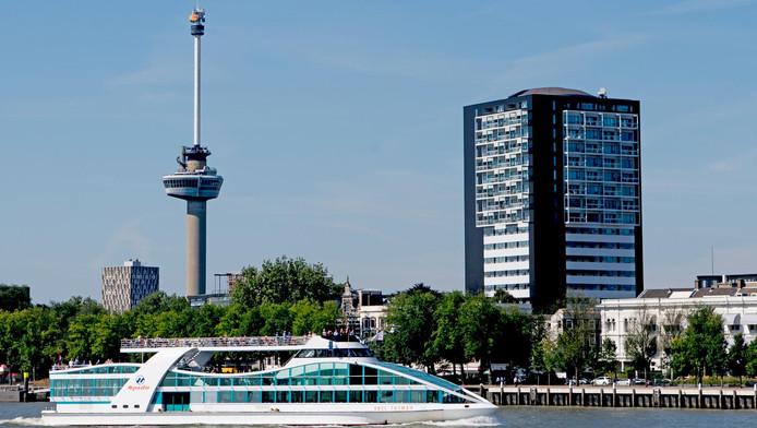 AD: Onveilige situatie doordat de drugscontrole faalt in haven Rotterdam