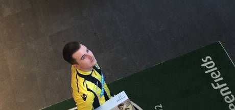 Vitesse contracteert E-sporter Paskie Rokus