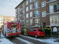Flatwoning in Arnhem onder de rook door vlam in de pan