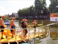 500 zwemmers het water in voor de ziekte ALS