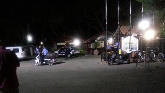 Op camping Vall d'Aro werden een aantal jongeren aangehouden door de politie.