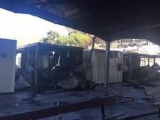 Asielzoekers Lesbos stichten uit protest brand in opvangkamp