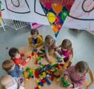 Meer jonge kinderen in Vlaanderen groeien op in kansarmoede: