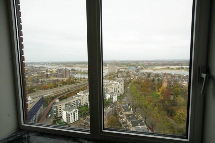 Uitzicht op de stad vanaf de 20e verdieping van Nimbus.