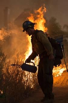 Dode bij heidebrand Californië, honderden geëvacueerd