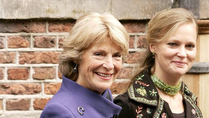 Prinses Carolina met haar moeder prinses Irene.