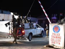 Tientallen doden bij gijzeling Pakistaanse politieschool