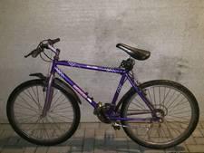 Agent 'steelt' fiets om vluchter te grijpen