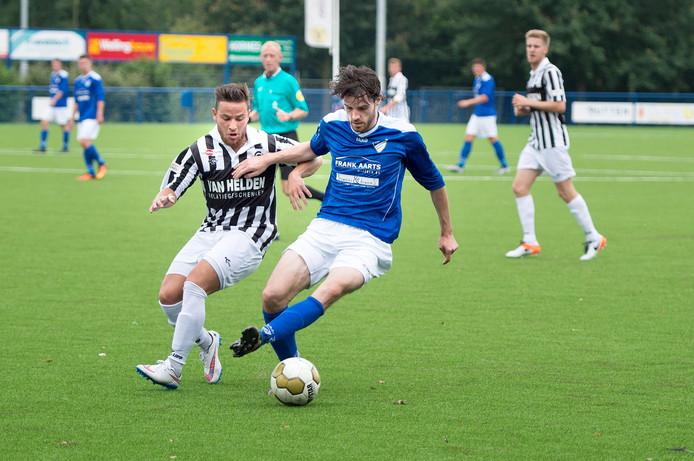 Woezik-spits Thijs van der Velden in actie in een eerder duel. Archieffoto.