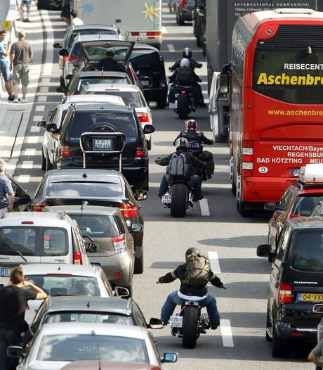 Zwarte zaterdag begint al vroeg: lange files op buitenlandse wegen