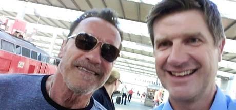 Geen boete voor 'Arnie' dankzij foto met agent