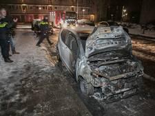 Twee auto's uitgebrand in Arnhem