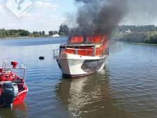 Gewonde bij brand op motorjacht bij De Hemmen