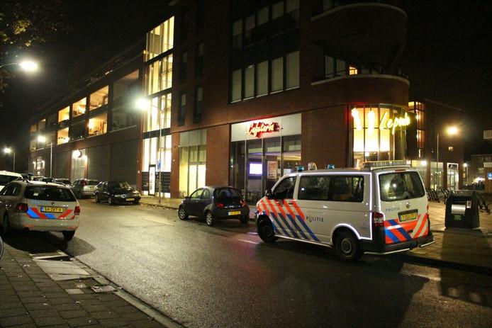 Cafetaria Lepoutre aan de Wijchense Homberg is zaterdagavond overvallen.