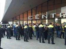 Grote groep Fenerbahçefans ingesloten bij Rotterdam CS
