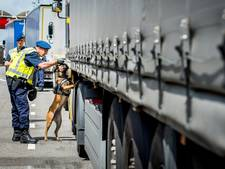 Trucks met 18 illegale Afghanen onderschept