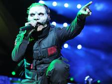 Slipknot-zanger slaat telefoon uit hand van sms'ende fan