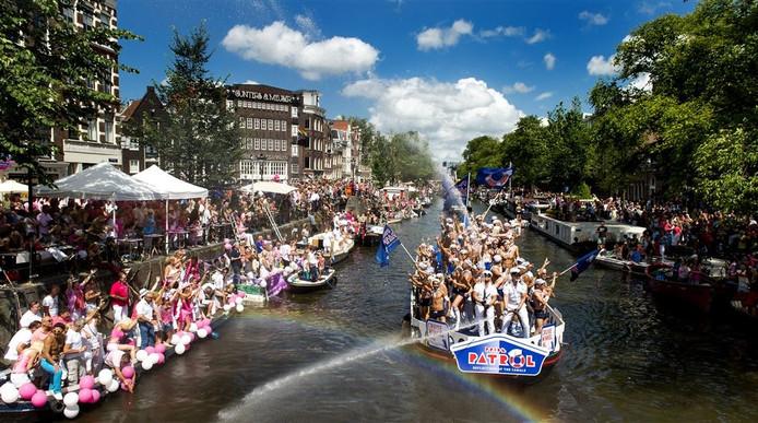 De Amsterdamse Gay Pride is 'ietsje' groter dan de Nijmeegse variant.