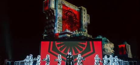 Fans Star Wars trotseren vrieskou voor nachtspektakel Disney