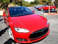 Tesla onder vergrootglas na crash zelfsturende auto