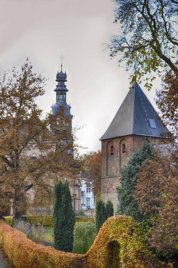 Dekleine kerk (vooraan) en de grote (achter). Foto: Flip Franssen