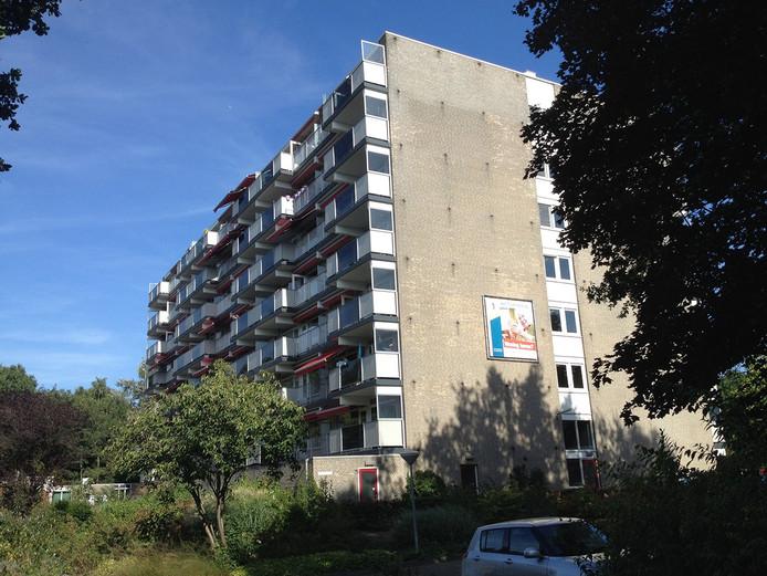 De flat waar de man de ravage aanrichtte.