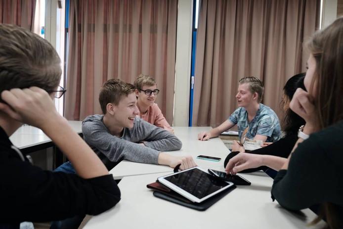 Vwo-leerlingen van het Liemers College maakten filmpjes over WOII. Foto's: Jan van den Brink