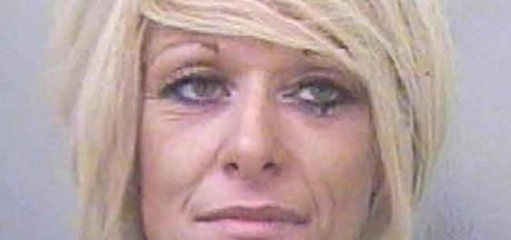Moeder krijgt elf maanden voor slaan puberdochter voor bar