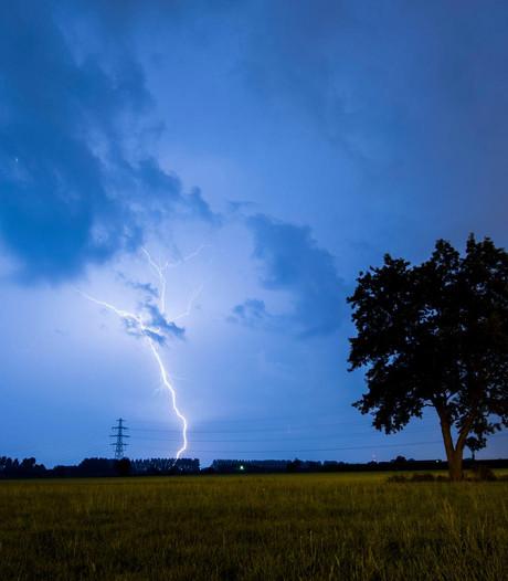 Plotselinge onweersbuien boven Utrecht