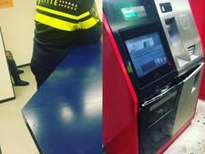 Duo op heterdaad betrapt bij openbreken parkeerautomaat
