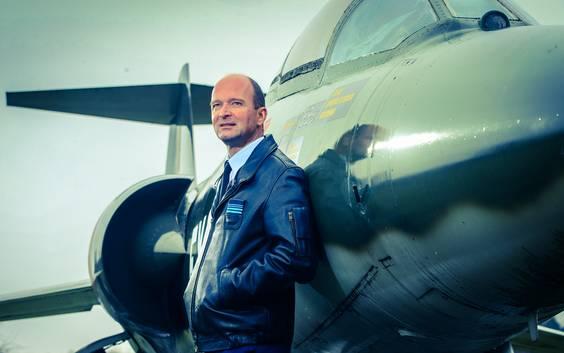 Uit interne mail blijkt dat chef luchtmacht 'behoorlijk overstuur' was over langer leven F-16's