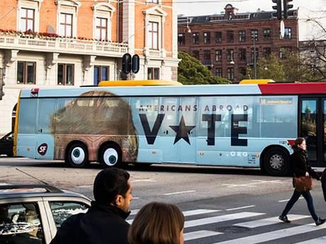 Denen bespotten Trump met grappige bus