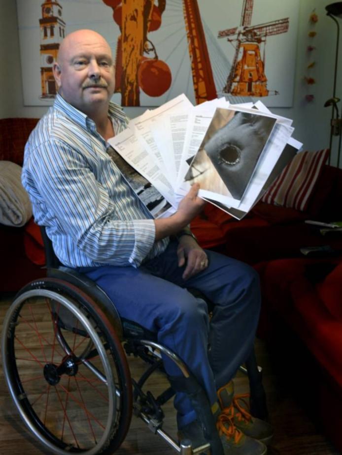 Hans Nijhoff uit Waardenburg met de correspondentie over zijn strijd voor een betere rolstoel